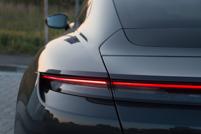 Test Porsche Taycan 4S: Dieses Auto ist Rock 'n' Roll - ... anderer Modelle eingearbeitet. (Bild: Werner Pluta/Golem.de)