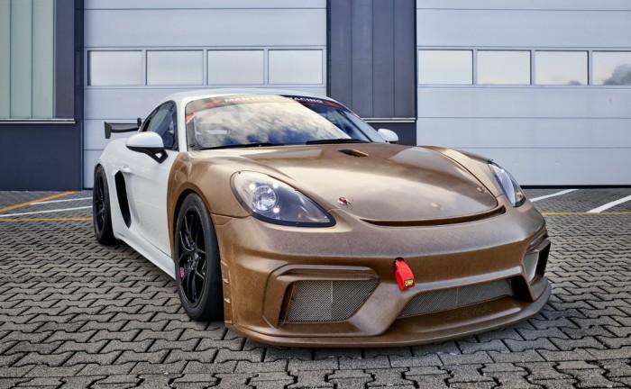 Porsche 718 Cayman GT4 Clubsport MR mit neuem Biofaser-Verbundwerkstoff-Karosseriekit (Bild: Porsche)