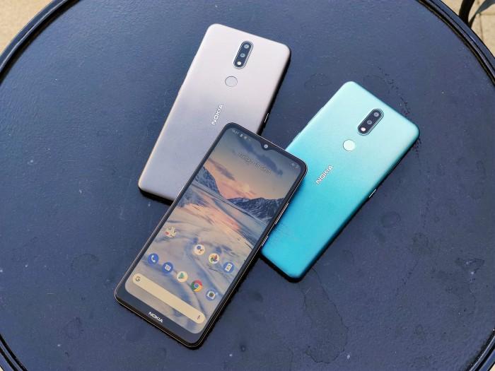 Das neue Nokia 2.4 von HMD Global (Bild: Tobias Költzsch/Golem.de)