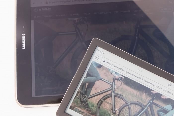 Im Sonnenlicht sind E-Paper deutlich besser abzulesen. (Bild: Werner Pluta/Golem.de)