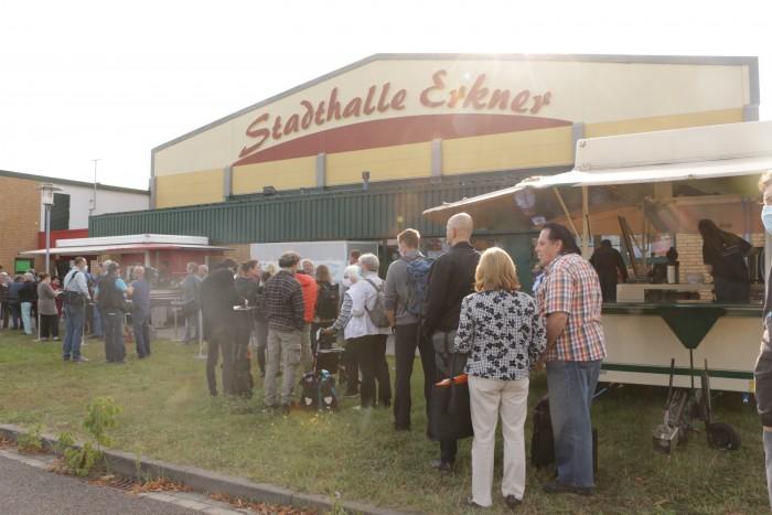 Wegen der Corona-Auflagen durften nur wenige Personen in die Stadthalle Erkner. (Foto: Friedhelm Greis/Golem.de)