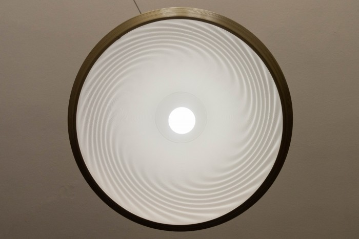 Die Leuchte von unten (Bild: Tobias Költzsch/Golem.de)