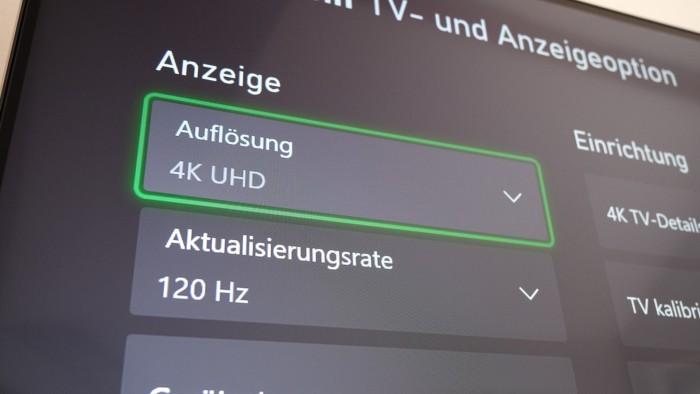Für diese Kombination aus Auflösung und Bildrate ist ein Monitor mit HDMI 2.1 nötig. (Bild: Golem.de/Peter Steinlechner)