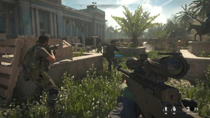 In Kuba kämpfen wir mit Verbündeten unter Palmen. (Bild: Activision/Screenshot: Golem.de)