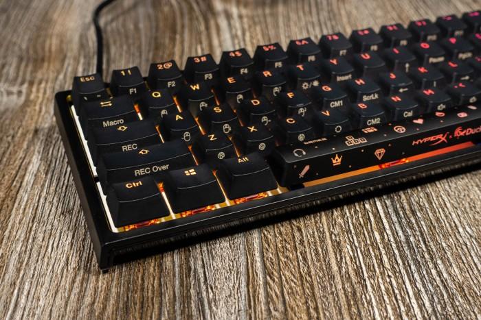 Die RGB-Einstellungen werden komplett über die Tastatur ausgewählt. (Bild: Tobias Költzsch/Golem.de)