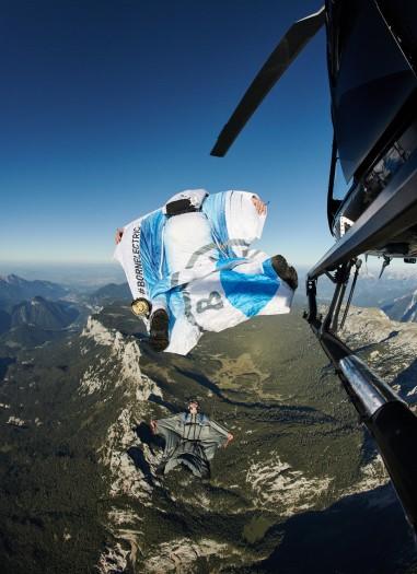 E-Wingsuit (Bild: BMW)