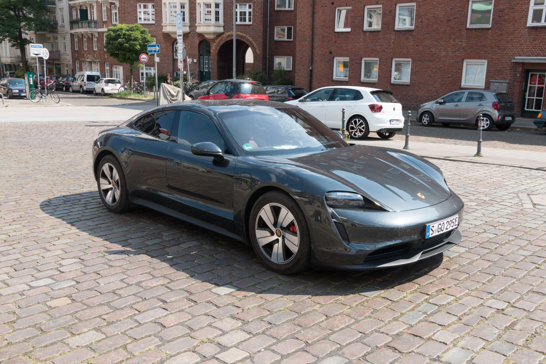 Elektromobilität: Diese E-Autos kommen 2021 auf den Markt - Porsche Taycan (Bild: Werner Pluta/Golem.de)