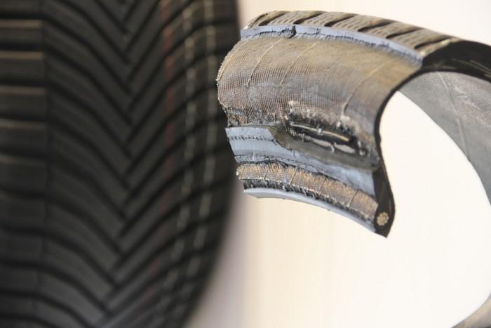 RFID-Modul im Reifen (Bild: Michelin)