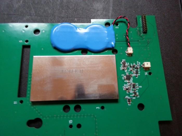 Die Abhöreinrichtung befand sich versteckt auf der Platine eines Kryptotelefons. (Foto: Andy Müller-Maguhn)