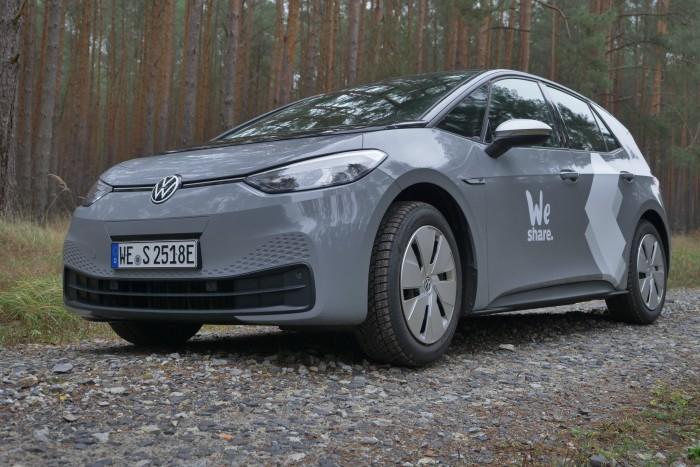 Der ID.3 soll für VW den Einstieg in der Massenmarkt für Elektroautos bedeuten. (Foto: Martin Wolf/Golem.de)