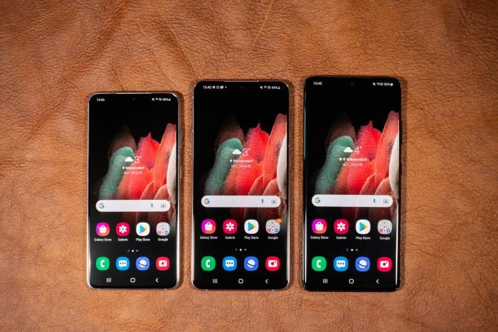 Von links nach rechts: das Galaxy S21, S21+ und S21 Ultra (Bild: Tobias Költzsch/Golem.de)