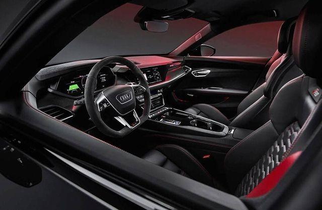 Audi E-Tron GT (Bild: cochespias/Instagram)