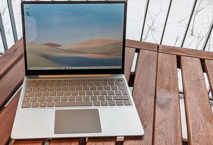 Surface Laptop Go (Bild: Oliver Nickel/Golem.de)