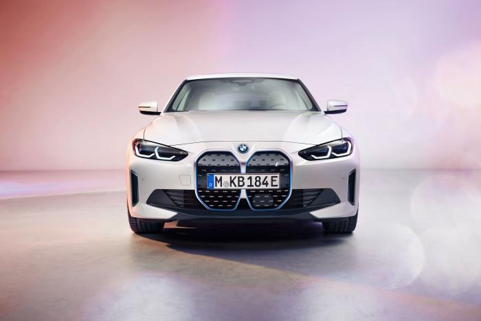 BMW i4 (Bild: BMW)