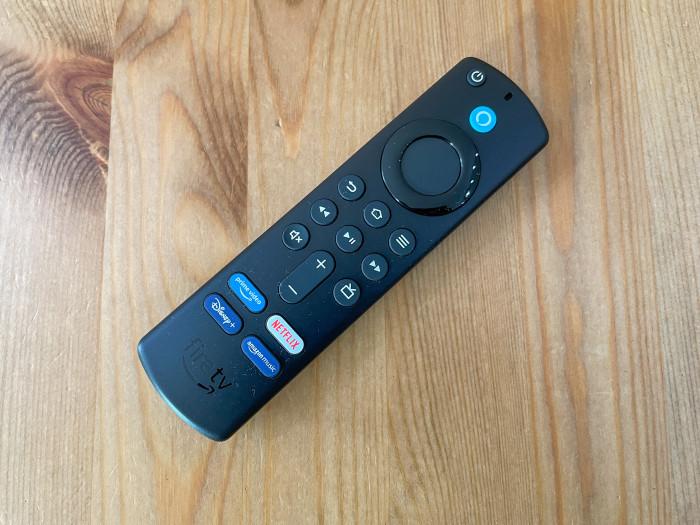 Neue Fire-TV-Fernbedienung der vierten Generation (Bild: Ingo Pakalski/Golem.de)