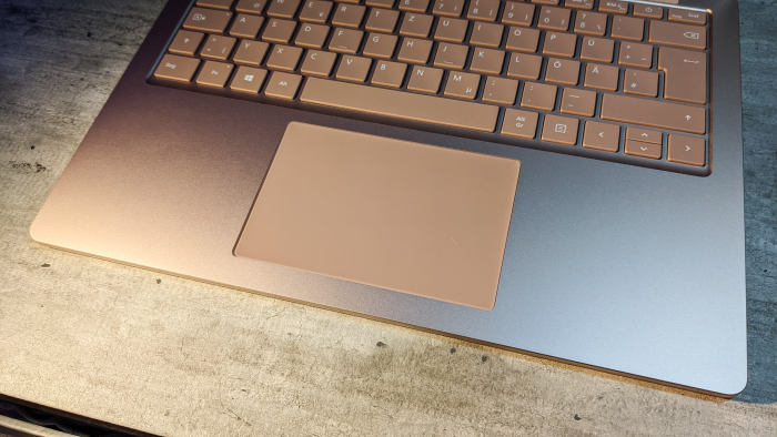 Gute Kombination aus Trackpad und Tastatur (Bild: Oliver Nickel/Golem.de)