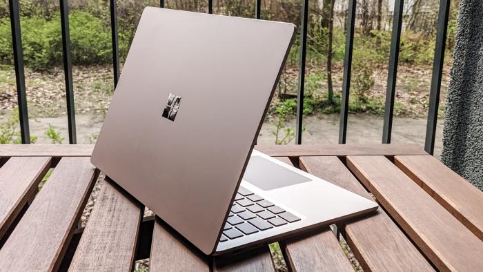 """Surface Laptop 4 13,5"""" (Bild: Oliver Nickel/Golem.de)"""