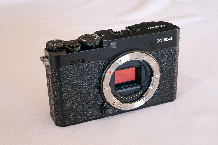APS-C-Sensor der Fujifilm X-E4. (Golem.de / Peter Steinlechner)