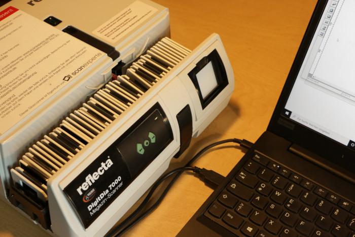 Der Reflecta Digitdia 7000 ist ein Magazinsacanner zum automatischen Einscannen von Dias. (Foto: Friedhelm Greis/Golem.de)