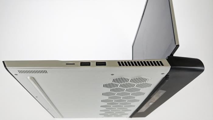 Alienware M15 R4 (Bild: Oliver Nickel/Golem.de)