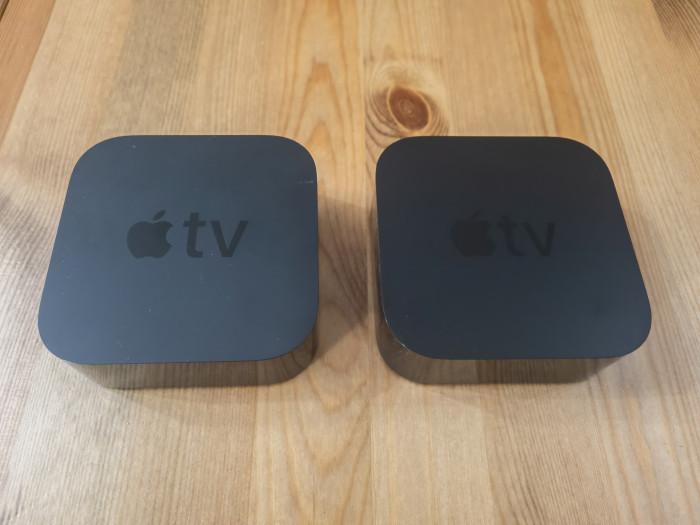 Links das Apple TV 4K von 2017 und rechts danaben das Apple TV 4K von 2021 (Bild: Ingo Pakalski/Golem.de)