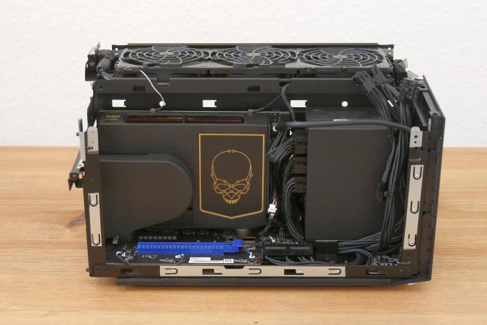 Das Compute-Modul mit Totenschädel ... (Bild: Golem.de)