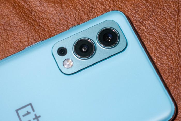 Die Hauptkamera hat 50 Megapixel und verwendet einen Sensor, der auch im Oneplus 9 zum Einsatz kommt. (Bild: Tobias Költzsch/Golem.de)