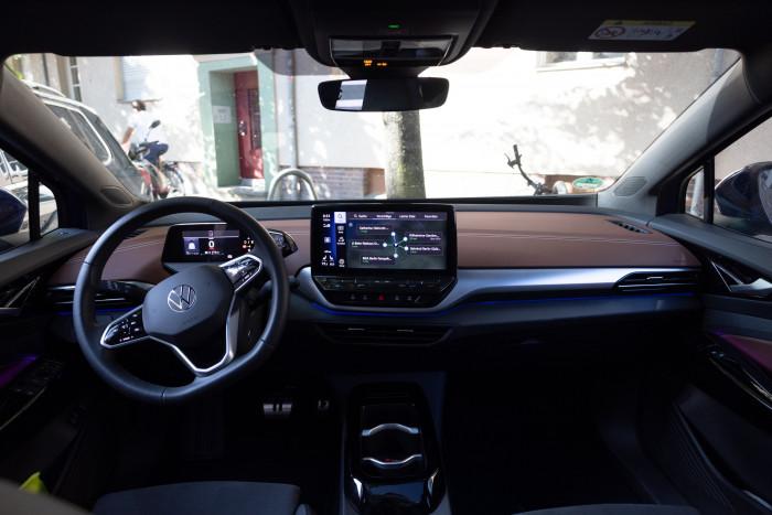 Innen ist das Fahrzeug sehr geräumig. (Bild: Werner Pluta/Golem.de)