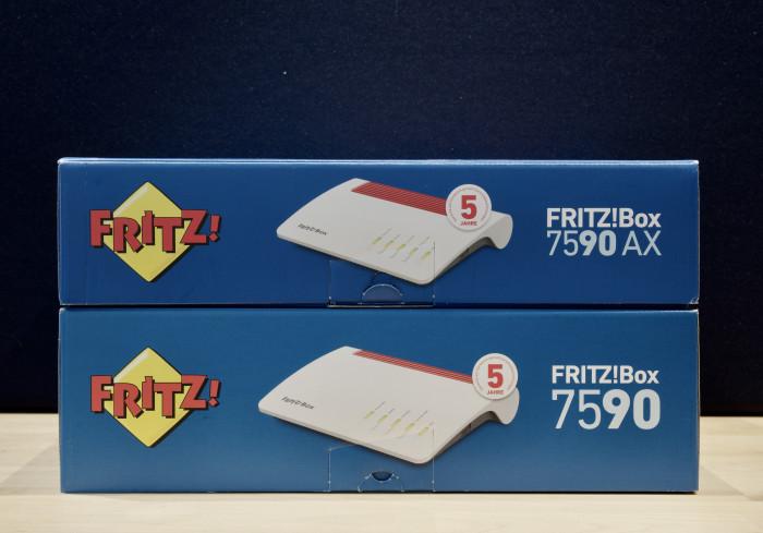 Platzsparend: Die Verpackung der neuen Fritzbox 7590AX ... (Bild: Jan Rähm)