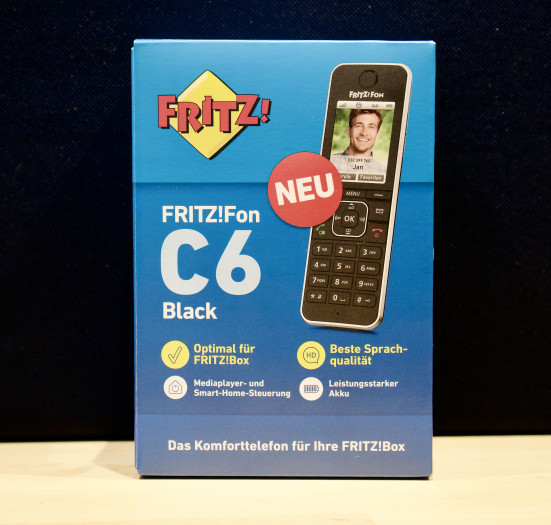Neue Farbe, gleiche Leistung: Das neue Fritzfon C6. (Bild: Jan Rähm)
