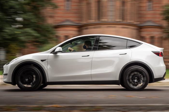 Das Tesla Model Y ist ein sogenanntes Crossover-SUV mit einer Länge von 4,75 Metern. (Foto: Martin Wolf/Golem.de)