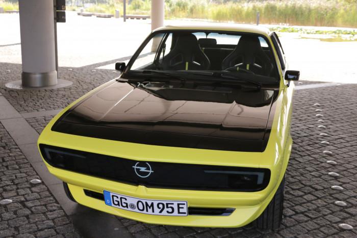 Der Manta GSe Elektromod ist ein aufwendig restauriertes und elektrifiziertes Exemplar von Opels Kultauto. (Foto: Friedhelm Greis/Golem.de)