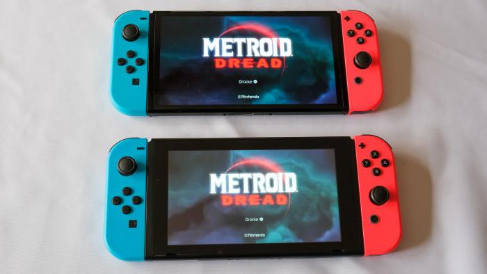 Oben der Startbildschirm von Metroid Droid auf der OLED, unten auf der normalen Switch (P. Steinlechner / Golem.de)