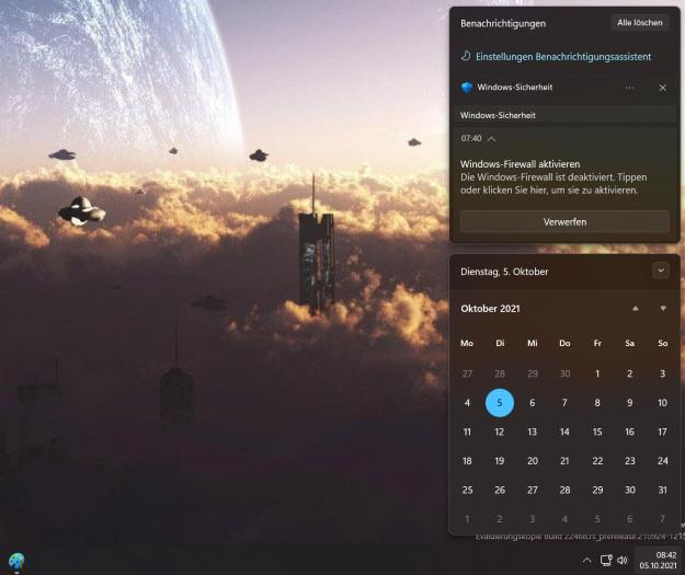Von der rechten Seite aus präsentieren sich der Kalender und die Benachrichtigungen. (Screenshot: Oliver Nickel/Golem.de)